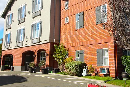 Bel Abri Napa Valley Inn - Napa - Building