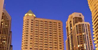 Fairmont Chicago - Millennium Park - Chicago - Building