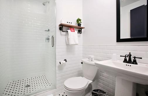 Riff Downtown - New York - Bathroom