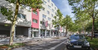 Fourside Hotel & Suites Vienna - Vienna - Building