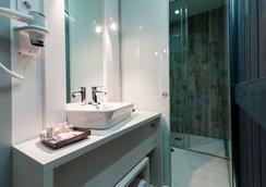 B&B Hotel Fuencarral 52 - Madrid - Bathroom