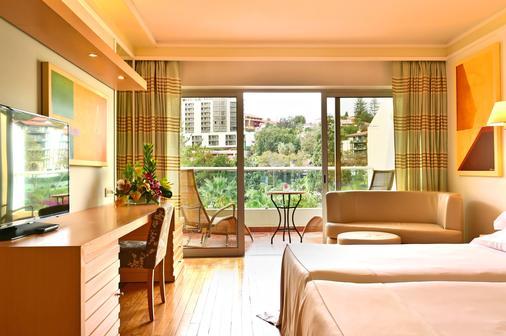 Pestana Carlton Madeira Ocean Resort Hotel - Funchal - Balcony