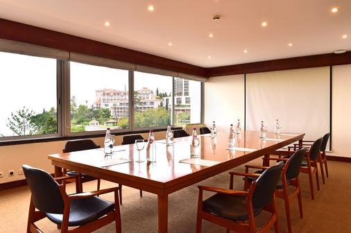 Pestana Carlton Madeira Ocean Resort Hotel - Funchal - Meeting room