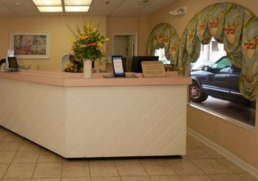 Comfort Inn Boardwalk - Ocean City - Front desk