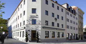 Hotel Blauer Bock - Munich - Building