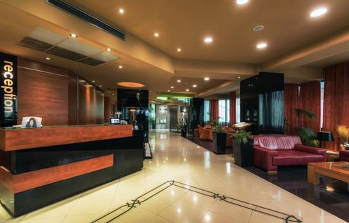 Hotel Arka - Skopje - Front desk