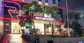 Red Planet Jakarta Pasar Baru - Jakarta - Building