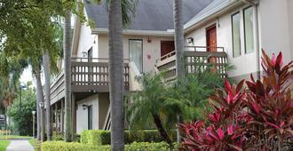 Doral Inn & Suites Miami Airport West - Doral - Building