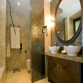 Cascade Wellness & Lifestyle Resort - Lagos - Bathroom