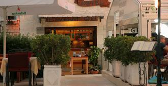 Hotel Trogir - Trogir - Building