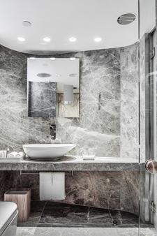 Ovolo Central - Hong Kong - Bathroom