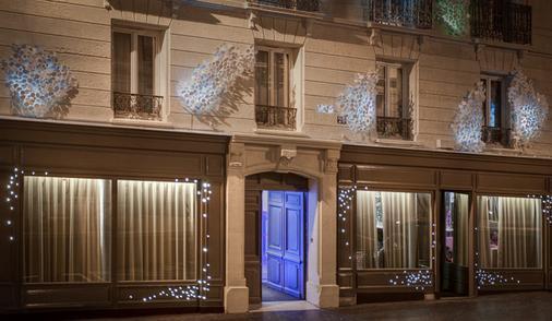 Seven Hotel - Paris - Building