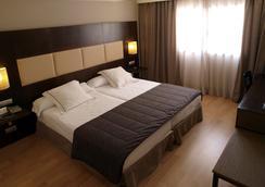 Hotel Sercotel Cuatro Postes - Ávila - Bedroom