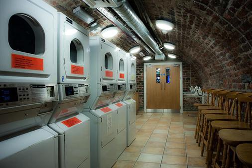 Isaacs Hostel - Dublin - Laundry facility