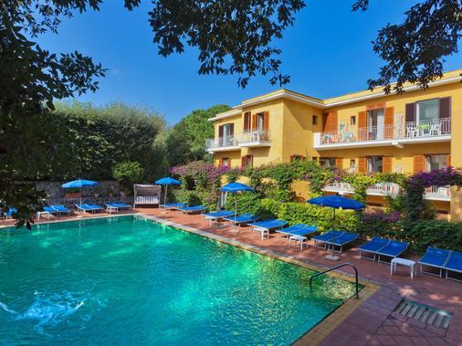 Hotel Cleopatra - Ischia - Building