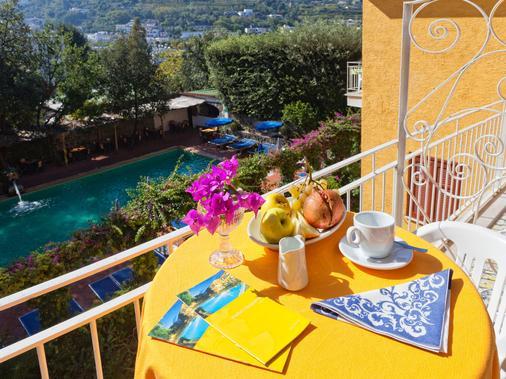 Hotel Cleopatra - Ischia - Balcony