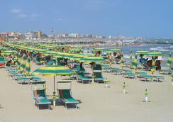 Villa Lauda Bed & Breakfast - Rimini - Beach