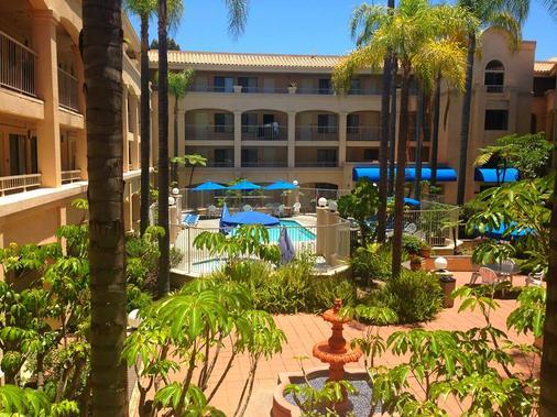 Comfort Suites San Diego Miramar - San Diego - Pool
