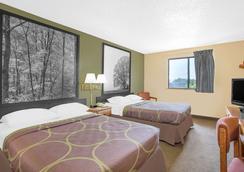 Super 8 Roanoke VA - Roanoke - Bedroom