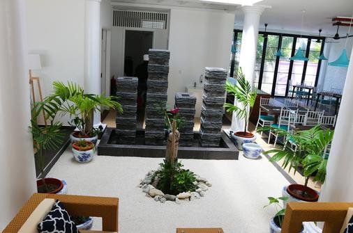 Crystal Sands Beach Hotel - Maafushi - Lobby