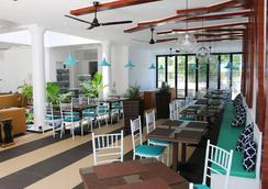 Crystal Sands Beach Hotel - Maafushi - Restaurant