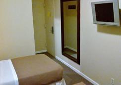 St Marks Hotel - New York - Bedroom