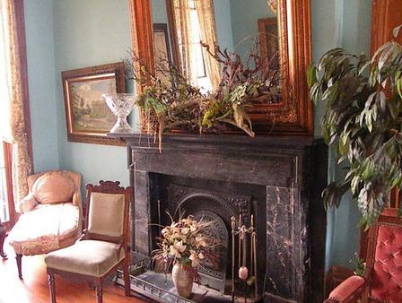 Parisian Courtyard Inn - New Orleans - Living room