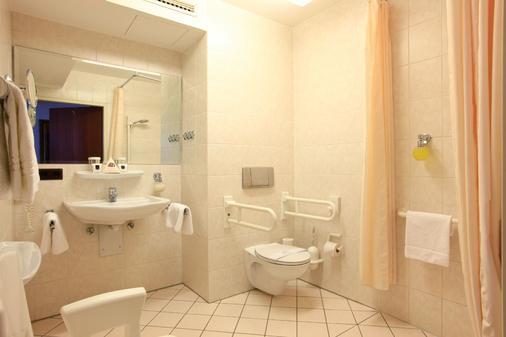 King's Hotel Center - Munich - Bathroom