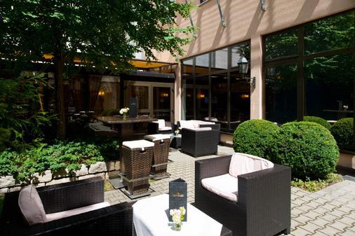 King's Hotel Center - Munich - Patio