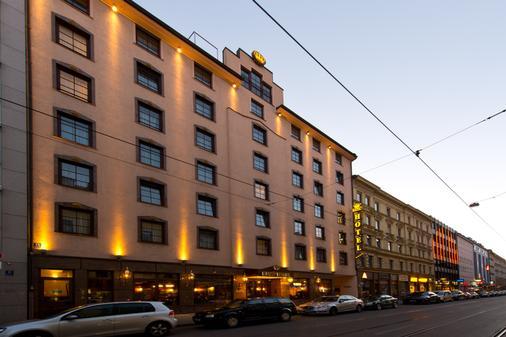 King's Hotel Center - Munich - Building