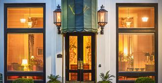 Planters Inn On Reynolds Square - Savannah - Building