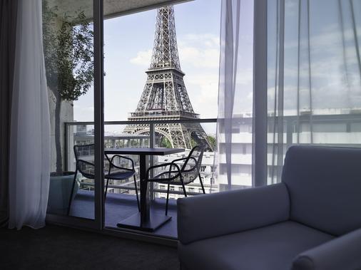Pullman Paris Tour Eiffel - Paris - Balcony