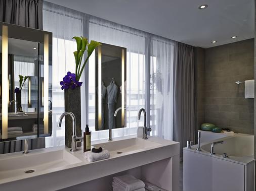 Pullman Paris Tour Eiffel - Paris - Bathroom