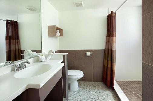Outrigger Beach Resort - Fort Myers Beach - Bathroom