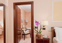 Ambasciatori Palace - Rome - Bathroom