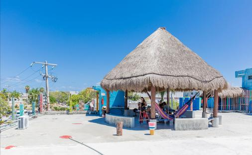 Hostel Playa by the Spot - Playa del Carmen