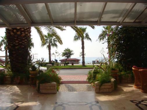 Kleopatra Celine Hotel - Alanya - Outdoor view