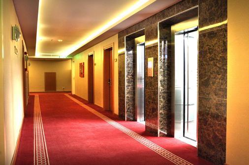 Grand Avcilar Airport Hotel - Istanbul - Hallway
