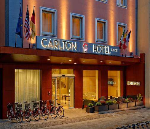 Carlton - Ferrara - Building