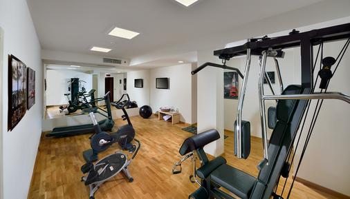 Carlton - Ferrara - Gym