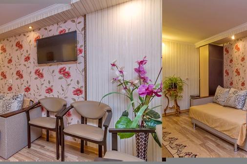Hotel Natali - Krasnodar - Living room