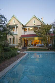 Hacklewood Hill Country House - Port Elizabeth - Outdoor view