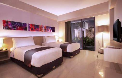 Berry Hotel - North Kuta - Bedroom