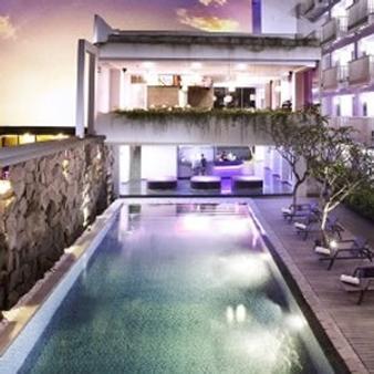 Berry Hotel - North Kuta - Pool