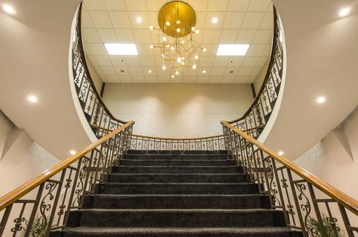 The Madison Concourse Hotel and Governor's Club - Madison - Stairs