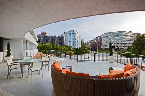 Washington Plaza - Washington - Patio
