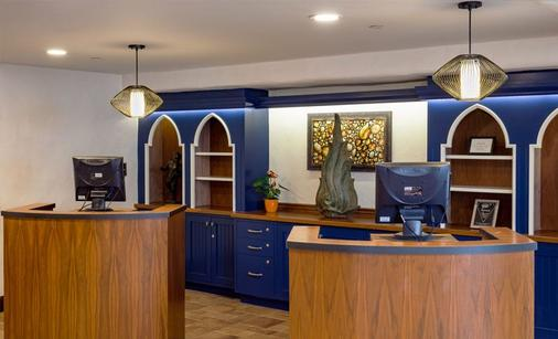 Hotel Pacific - Monterey - Front desk