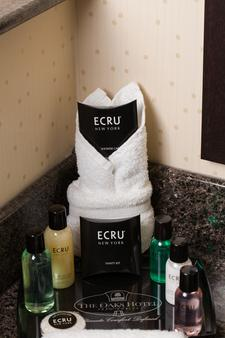 The Oaks Hotel and Suites an Ascend Hotel Collection Member - Paso Robles - Bathroom