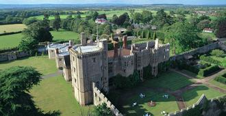 Thornbury Castle - Bristol - Building