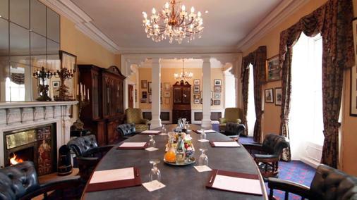 Fitzpatrick Castle Hotel - Dublin - Meeting room